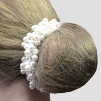 PEARL-BEADED-SCRUNCHIE